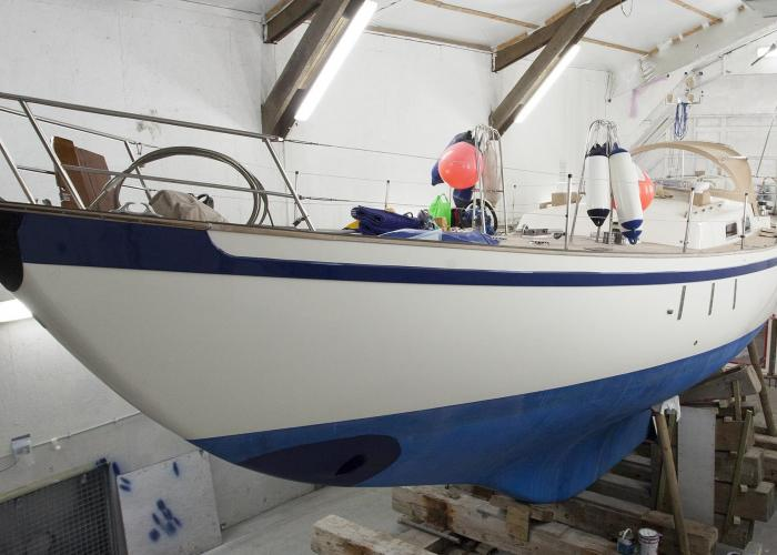 Refinishing of Tradewind 35